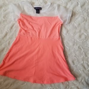 Toddler dress size 4t top of dress is mesh
